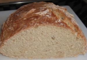 Frisch gebackenes Weißbrot